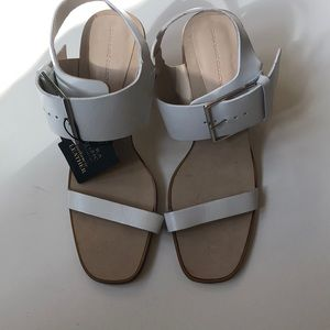 NEW Zara white leather block heel sandals